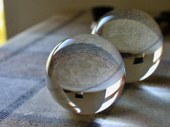 Lensballs
