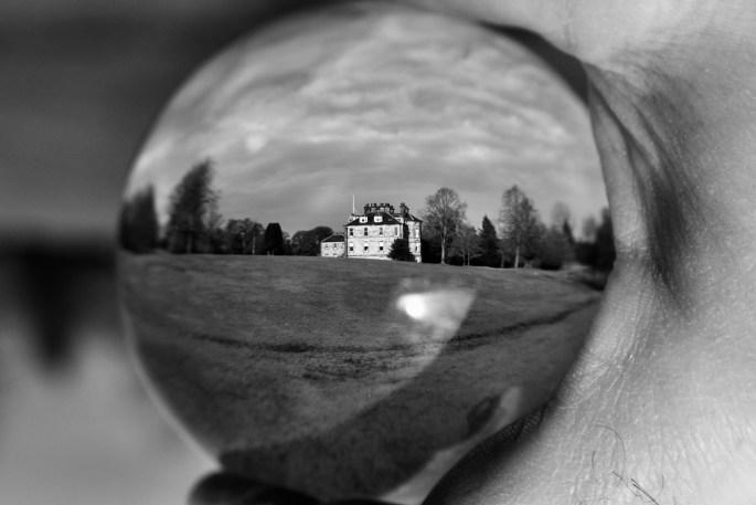 Lensball house