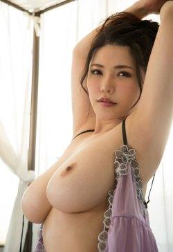 Av chinese gallery idol nude