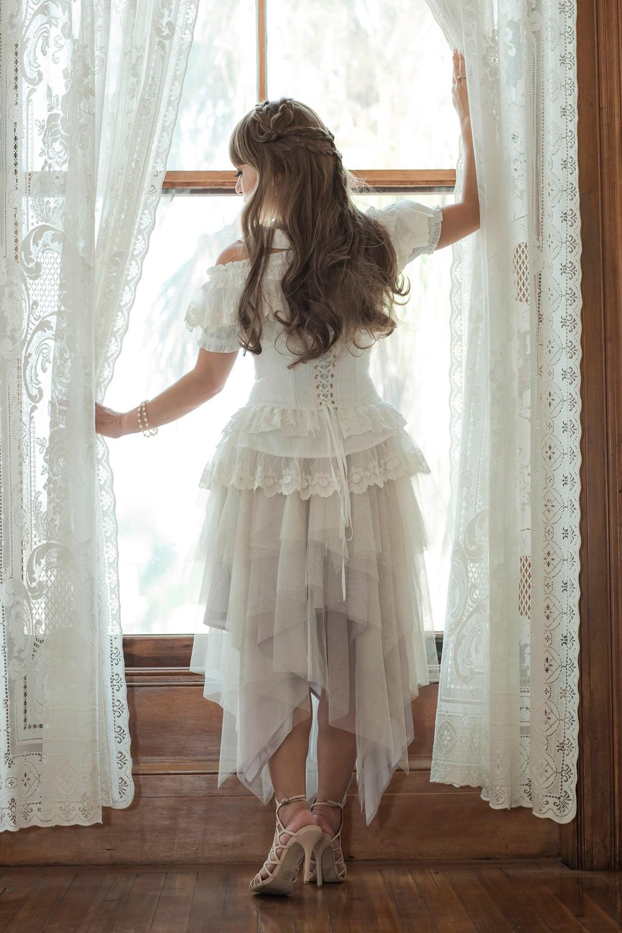 30-Sheglit-Ivory-Dress-Fashion-JFashion-Style-Victorian-Lolita-Moody