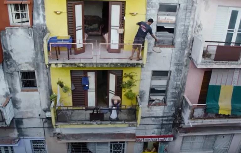 Read more about the article Des pizzas qui tombent du ciel à Cuba