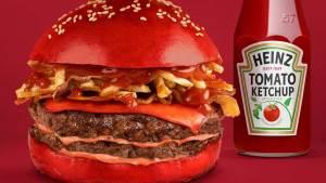 Read more about the article Heinz lance le tout premier hamburger au ketchup aux tomates