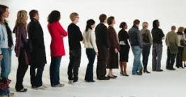 O tempo de espera em filas causa muita irritação nas pessoas.