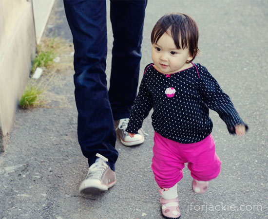 26 May 2013 - Julienne takes a walk around the block