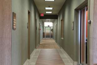 Lease St Paul Office or Medical Space - Lobby