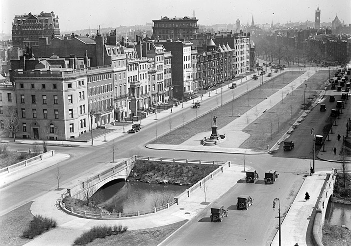 Comm ave in 1930