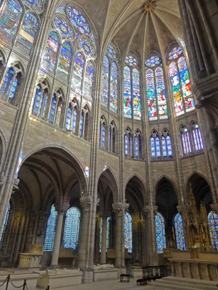 Saint-Denis_(93),_basilique_Saint-Denis,_abside_3