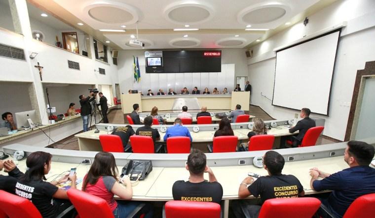 Audiência pública debate situação de aprovados em concurso público não convocados