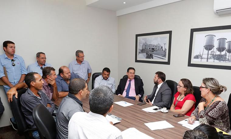 Maurão de Carvalho promove encontro de dirigentes das EFA's com secretário de Educação