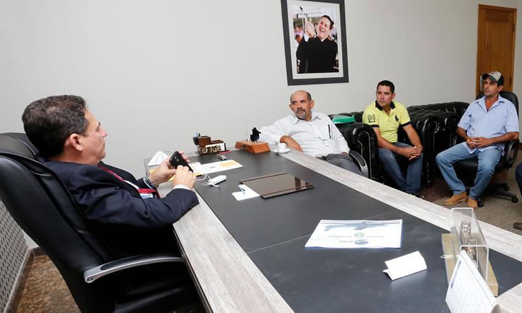Representantes do bairro Aeroclube pedem celeridade em obras de drenagem e asfalto