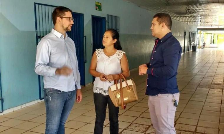 Deputado Anderson anuncia emenda de R$ 90 mil para atender Escola em Candeias do Jamari