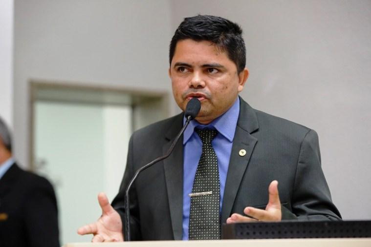 """Deputado Jesuíno participa de reunião e apoia projeto da """"Lei dos decibéis"""""""
