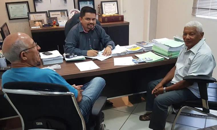 Líder comunitário faz pedido de instalação de orelhão no Baixo Madeira