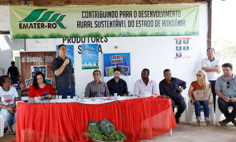 Maurão de Carvalho participa de ação em setor chacareiro e anuncia emenda de R$ 100 mil