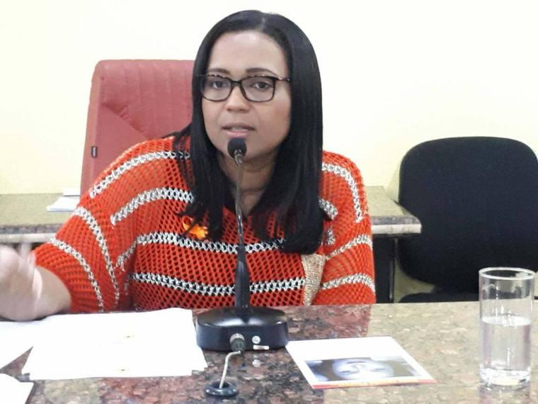 ATIVISMO – Joelna Holder promove Audiência Pública pelo fim da violência contra a mulher