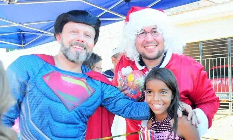 Professor Aleks Palitot promove Natal Solidário na Zona Leste da capital