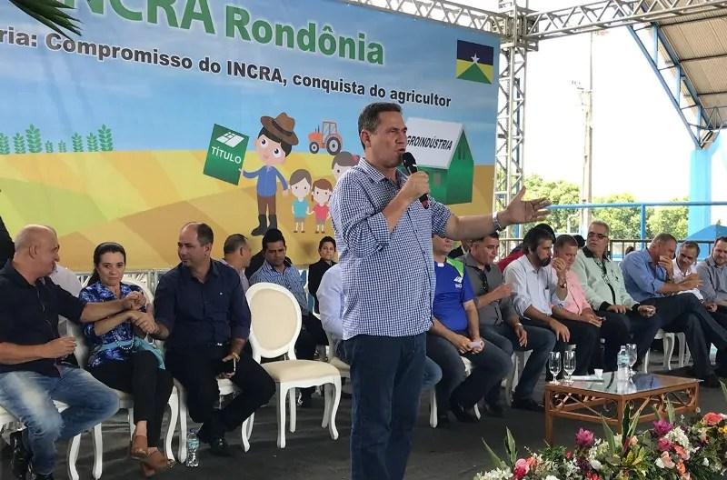 Maurão de Carvalho participa da entrega de mais de 600 títulos agrários em Ariquemes