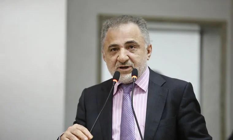 Deputado Hermínio compra briga de vigilantes e garante reuniões com MP e TC
