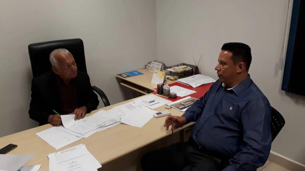 Edesio Fernandes visita secretaria de saúde e fiscaliza vacinas de febre amarela