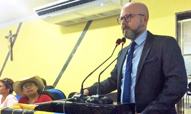 Aleks Palitot participa de audiência sobre transporte escolar