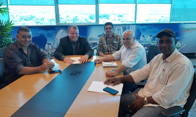 Dr. Neidson se reúne com diretor do DER para tratar do Projeto Cidade Limpa