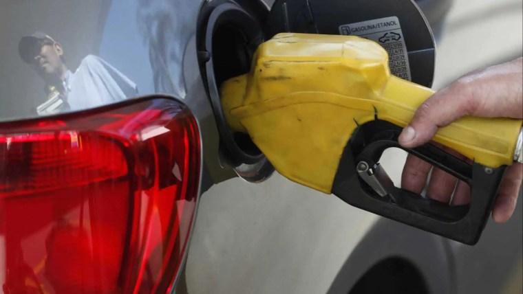 DIA 25 – Em protesto, postos de combustíveis vão vender gasolina a R$ 2,50