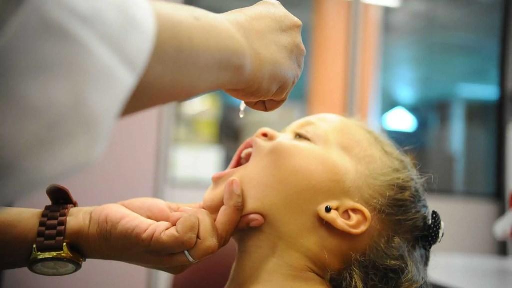 Saúde quer vacinar 11 milhões de crianças contra sarampo e pólio