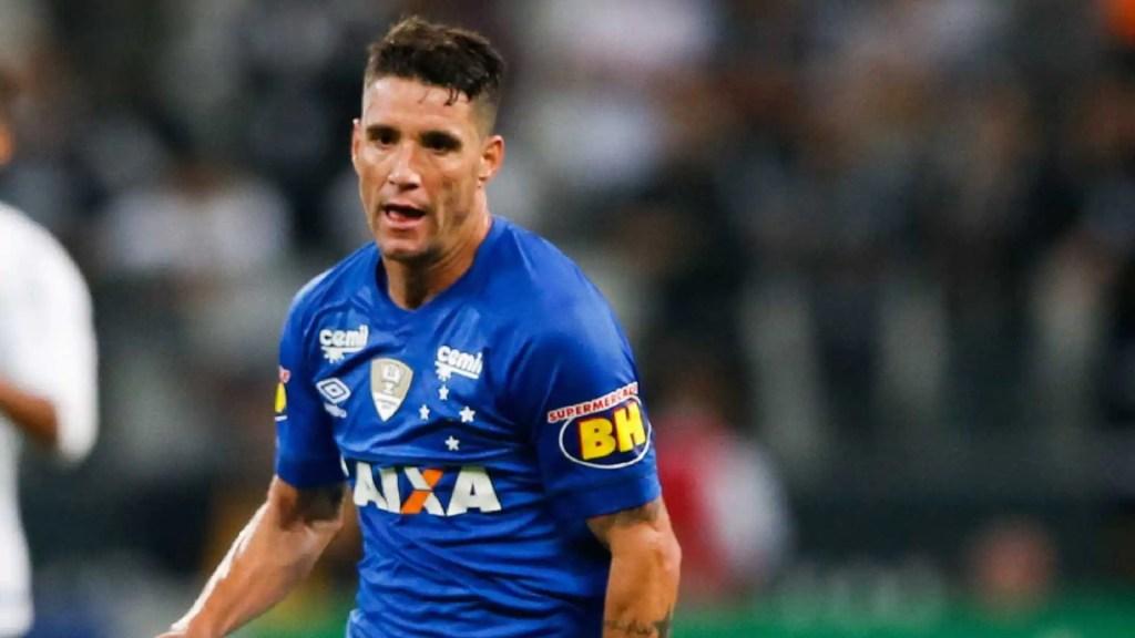 Thiago Neves diz que vantagem do Cruzeiro sobre o Fla é 'gigantesca'