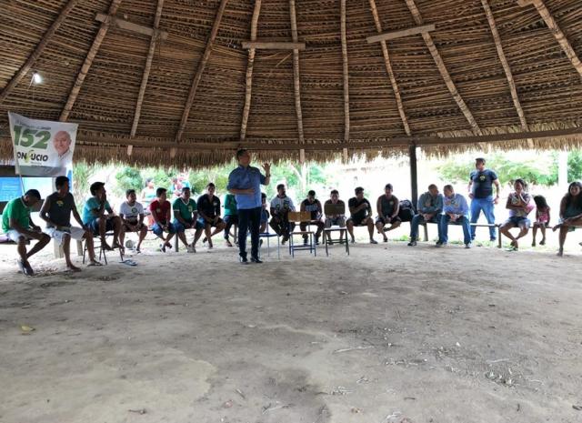 Maurão de Carvalho assume compromissos com comunidades indígenas em Guajará-Mirim