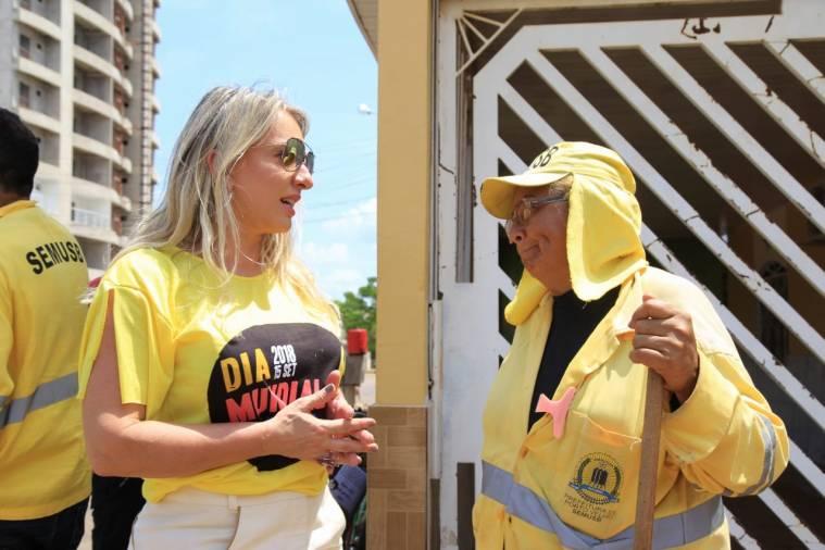 Primeira-dama de Porto Velho participa de ação voluntária de coleta de lixo
