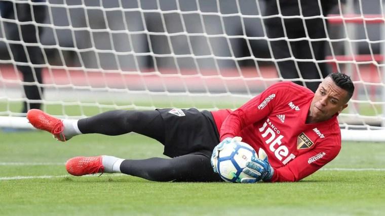 Aguirre defende o goleiro Sidão no São Paulo: 'Melhor opção que temos'