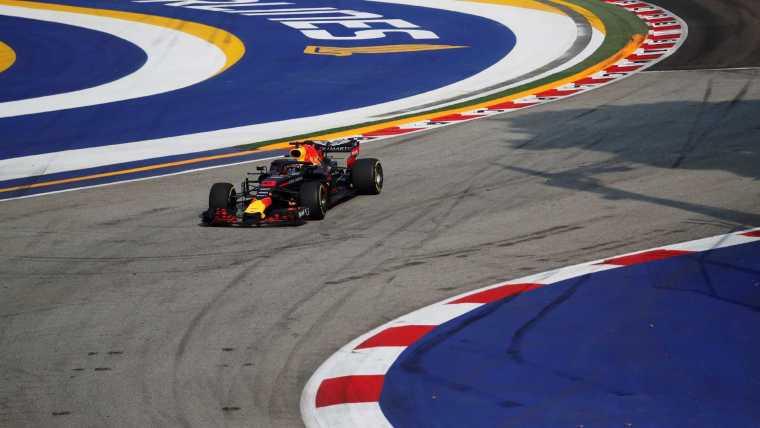 Red Bull domina e Ricciardo lidera 1º treino livre do GP de Cingapura
