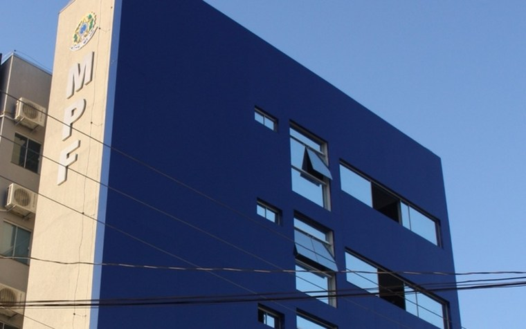 FRAUDE-  MPF processa quatro empresas, servidor da Receita Federal e contador em Rondônia