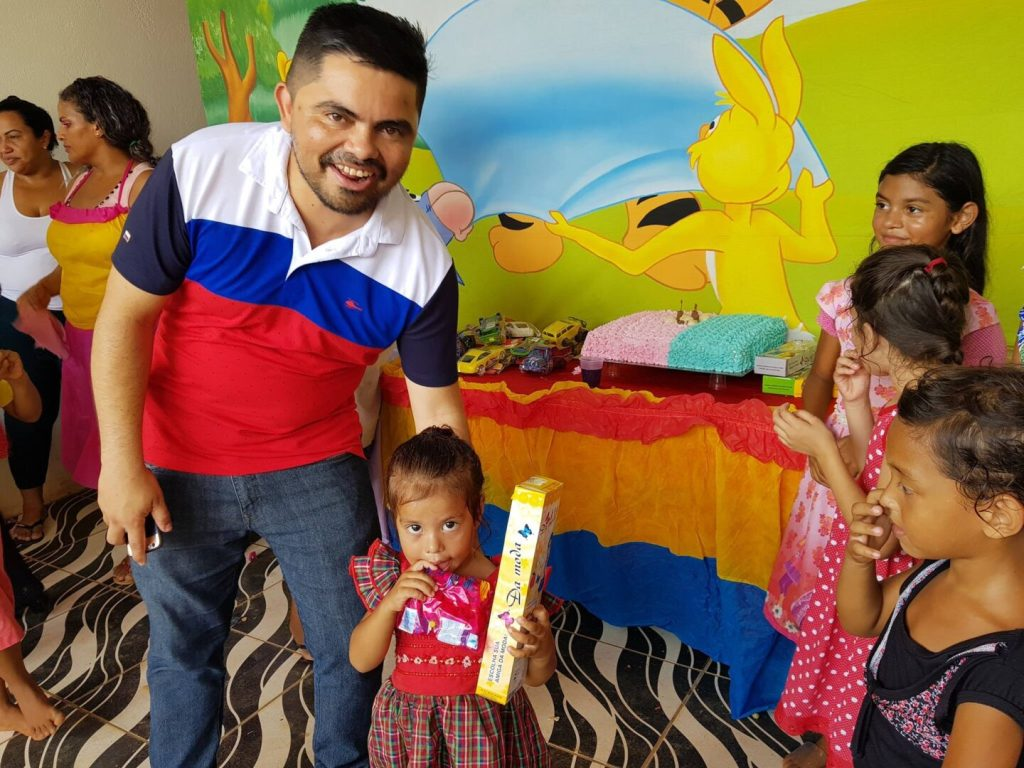 SOCIAL – Deputado Jesuino Boabaid participa de festa das crianças no bairro Universitário