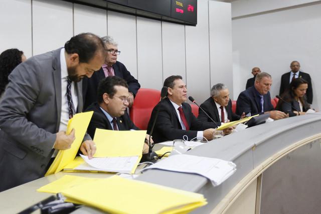 Presidente da Assembleia Legislativa convoca sessão extraordinária para terça-feira