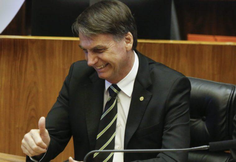 """Bolsonaro comemora prisão do Battisti: """"Companheiro do PT"""""""