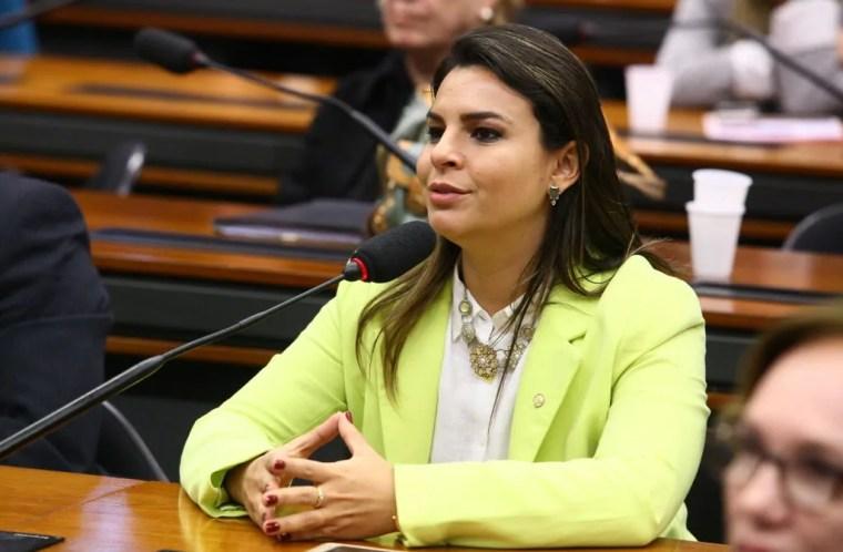 PROJETO – Deputada quer que escolas públicas adotem medidas contra erotização precoce