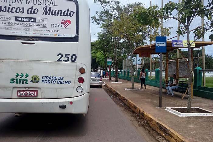 GREVE – Motoristas e cobradores de onibus param serviço em Porto Velho