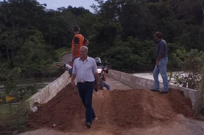 Adelino Follador cobra recuperação urgente da ponte sobre o rio Jamari