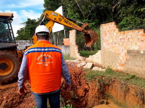 Defesa Civil abre acesso para comunidades isoladas pela cheia do Madeira