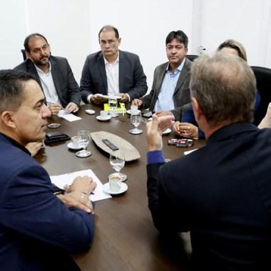 Presidente Laerte Gomes recebe representantes de entidades assistenciais de Porto Velho