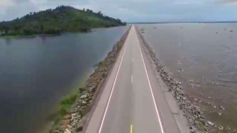 CHEIA – Drone mostra proximidade da água na BR-364 entre Rondônia e Acre