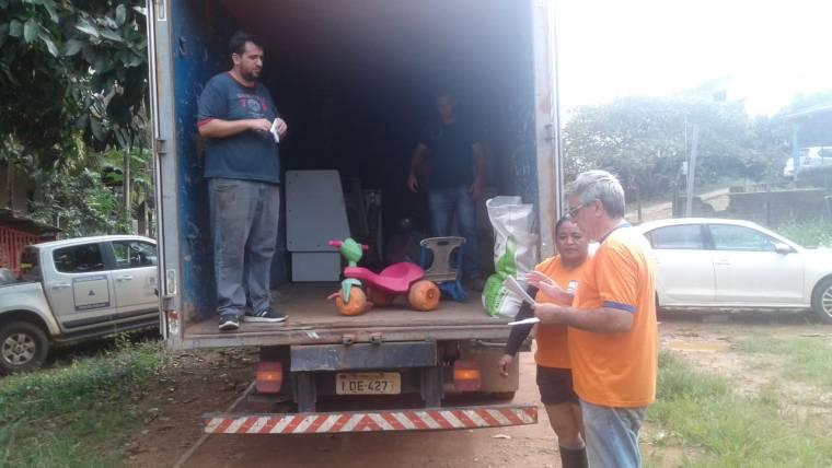 ENCHENTE – Defesa Civil retira moradores atingidos pelas águas do rio Madeira na Vila da Candelária