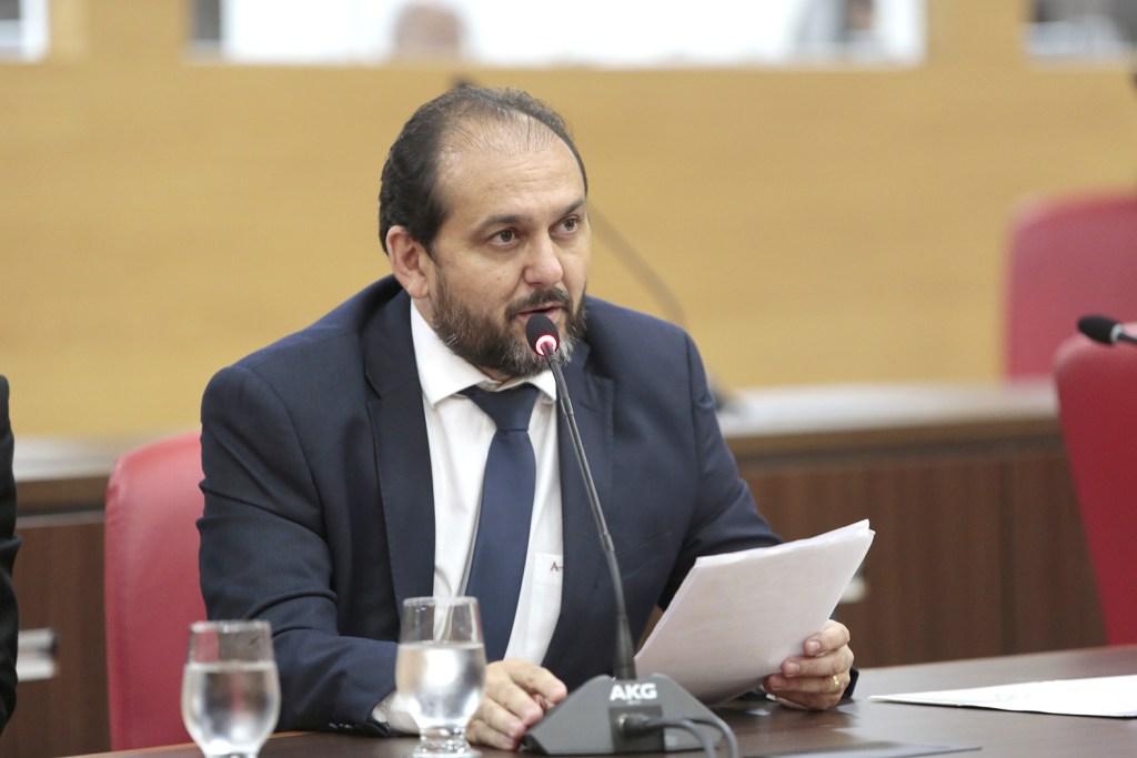 Presidente Laerte Gomes propõe homenagem ao médico Álvaro Galvão