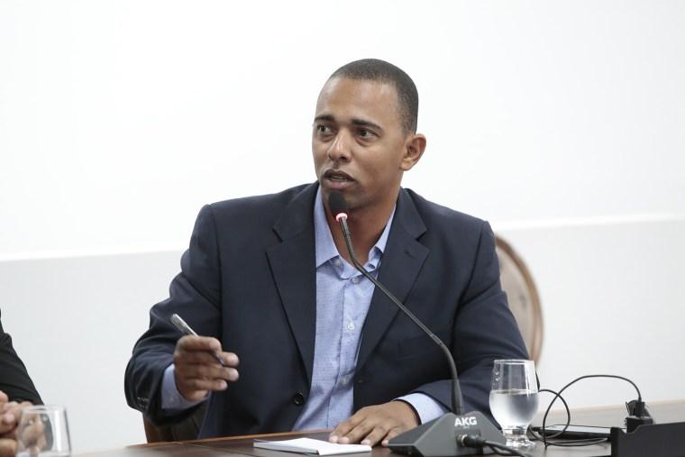 Jhony Paixão faz indicações ao DER e pede a SEDUC permanência de Escola em Presidente Médici