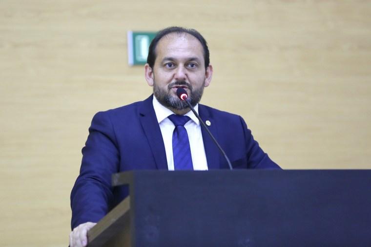 Presidente Laerte Gomes defende implantação de Ensino Médio com mediação tecnológica em escola de Tancredópolis