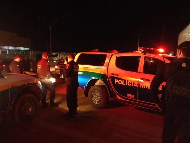Policial militar é baleado por falso agente da Polícia Civil em frente de bar na zona Sul
