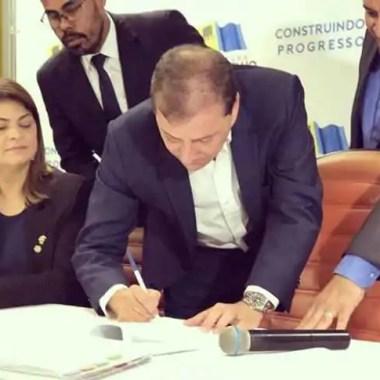 Prefeito anuncia concurso público na Educação com 800 vagas