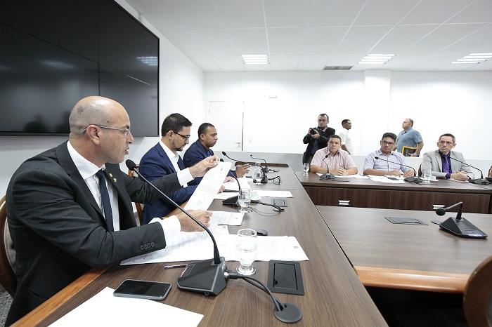 Comissão de Segurança recebe adjunto da Sesdec e direção do IICC para explicar emissão de identidade