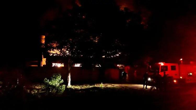 Incêndio atinge escola estadual em Porto Velho e destrói várias salas